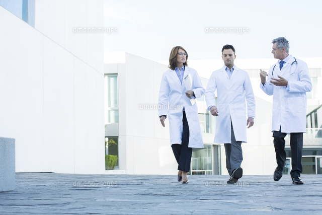 Two doctors are walking